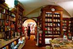 wnętrze księgarni