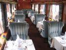 wnętrze wagonu restauracyjnego