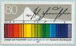 słoneczne widmo na znaczku pocztowym